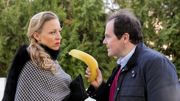 Nina Proll als Nicoletta Huber und Thomas Mraz als Polizist Jörg Pudschedl (Bild: ORF)