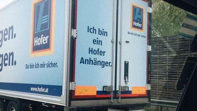 """""""Ein Hofer Anhänger"""": Wirbel um Diskonter-Lkws (Bild: facebook.com/Emanuel Kandovâ00E)"""