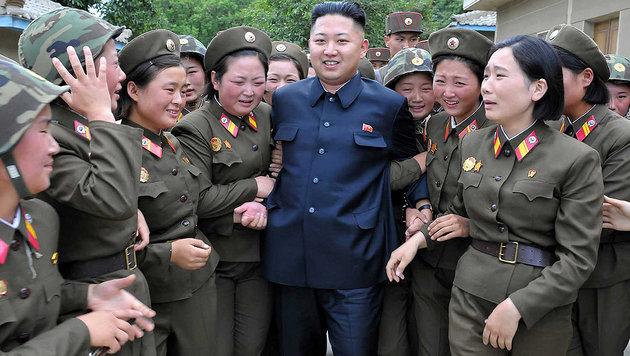 Kim Jong Un: Seine Tante lebt in den USA (Bild: KNCA/AFP)