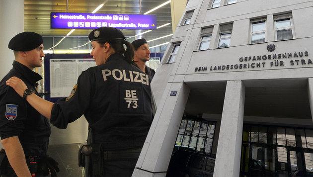 Sextäter vom Praterstern attackiert Justizbeamtin (Bild: Andi Schiel, APA/Roland Schlager)