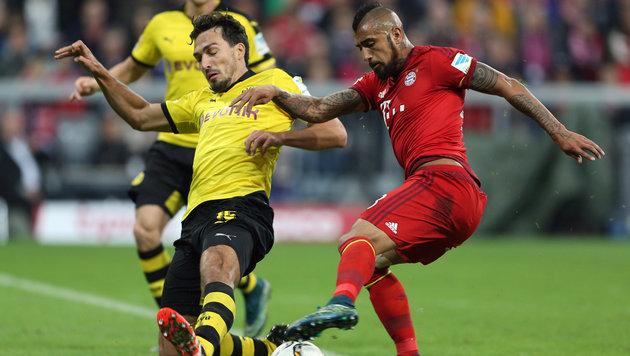 Schon bald Teamkollegen? Mats Hummels im Duell mit Bayerns Arturo Vidal. (Bild: GEPA)