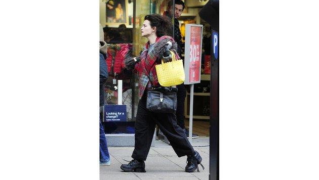 Wo Helena Bonham Carter auftaucht, sorgt sie mit ihrem Look für Aufsehen. (Bild: Viennareport)