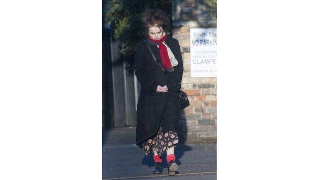 Helena Bonham Carter trägt, was ihr gerade in die Hände kommt. (Bild: Viennareport)