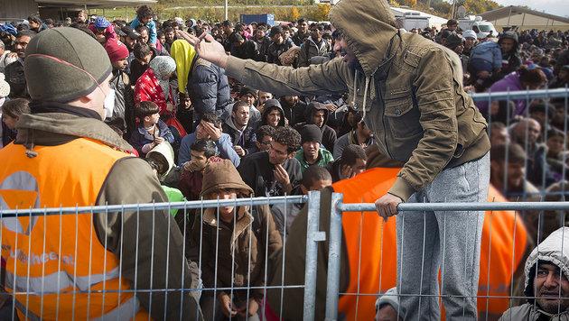 Aus für Grenzkontrollen in Österreich? Die EU-Kommission wird in der kommenden Woche entscheiden. (Bild: APA/ERWIN SCHERIAU)