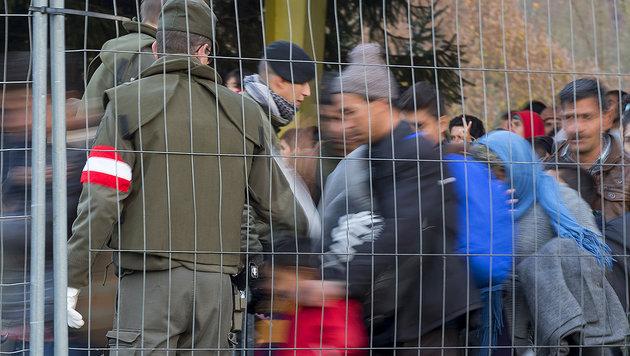 Die EU-Kommission will eine Verl�ngerung der Grenzkontrollen am Mittwoch beschlie�en. (Bild: APA/ERWIN SCHERIAU)