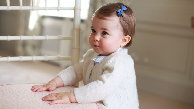 Erste Reise für Prinzessin Charlotte im September? (Bild: APA/AFP/KENSINGTON PALACE/THE DUCHESS OF CAMBRIDGE)