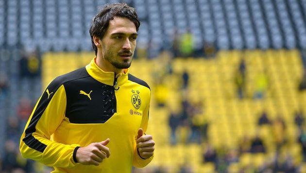Schwerer Gang für BVB-Kapitän Mats Hummels (Bild: AFP)