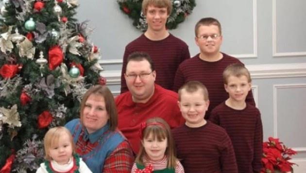 Jennifer und Toby Norsworthy mit ihren sechs Kindern (Bild: facebook.com/tnorswor)