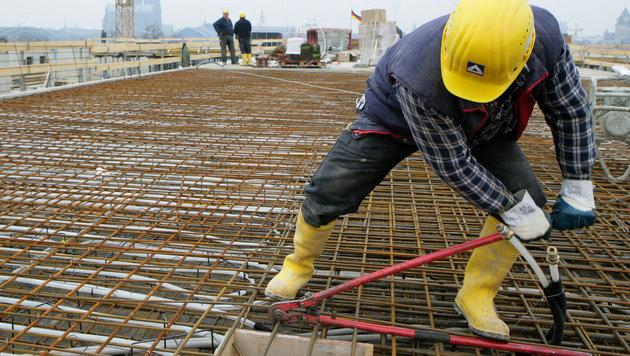 Wirtschaft im 1. Quartal um 0,5 Prozent gewachsen (Bild: APA/dpa/Rolf Vennenbernd)