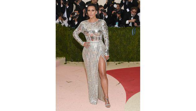 In Kim Kardashians Robe konnten sich die anderen Gäste spiegeln. (Bild: Evan Agostini/Invision/AP)