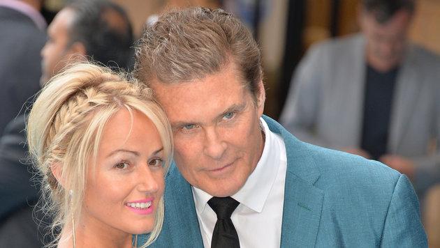 David Hasselhoff mit seiner Verloben Hayley Roberts (Bild: Vienareport)