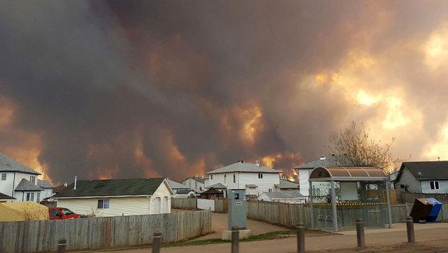 Kanada: 100.000-Einwohner-Stadt evakuiert (Bild: AP/The Canadian Press/Mary Anne Sexsmith-Segato)