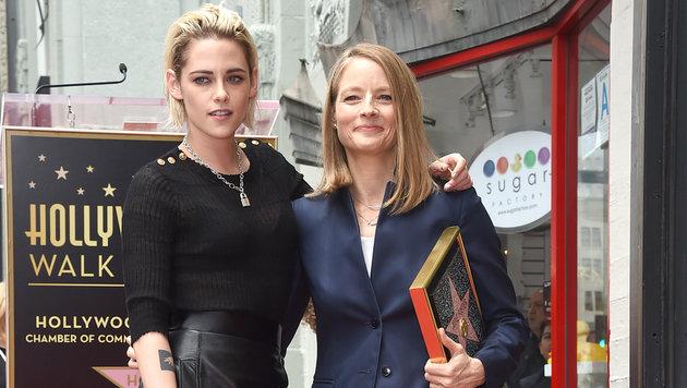 Filmtochter Kristen Stewart war bei Fosters Ehrung mit dabei. (Bild: Jordan Strauss/Invision/AP)