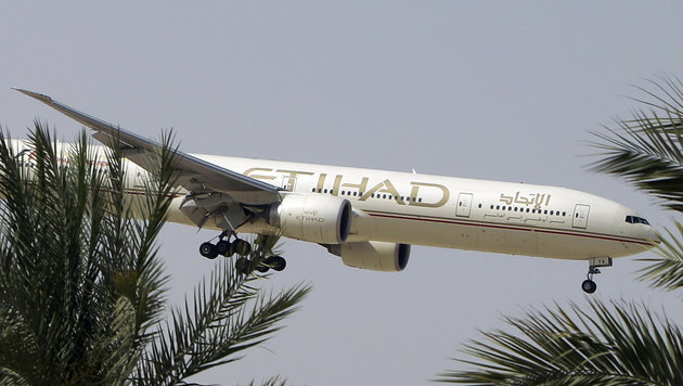 Ein Passagierflugzeug von Etihad Airways (Bild: ASSOCIATED PRESS)