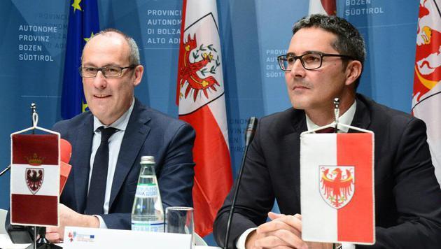 Der Südtiroler Landeshauptmann Arno Kompatscher (re.) und sein Trentiner Amtskollege Ugo Rossi (Bild: APA/DOLOMITEN/DLIFE)