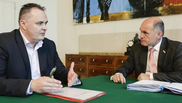 Verteidigungsminister Hans Peter Doskozil und Innenminister Wolfgang Sobotka (Bild: BMLVS)