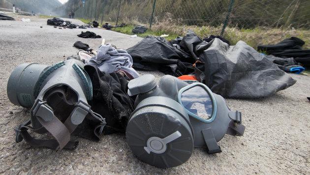 Brenner: Wüste Ausschreitungen an unserer Grenze! (Bild: APA/JOHANN GRODER)