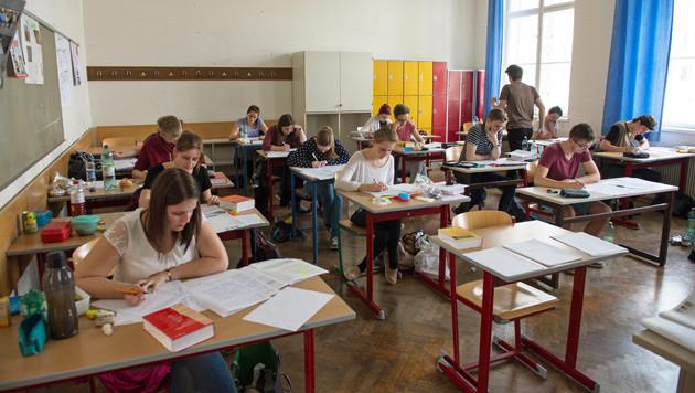 Zentralmatura-Premiere für 40.500 Schüler (Bild: fotokerschi.at)