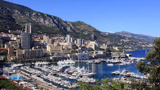 Das Schiff hält unter anderem vor Monaco. (Bild: Wikimedia/Putz)