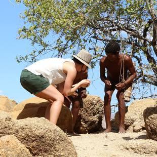 Anna Veith auf Charity-Tour in Namibia (Bild: facebook.com/Anna Veith)