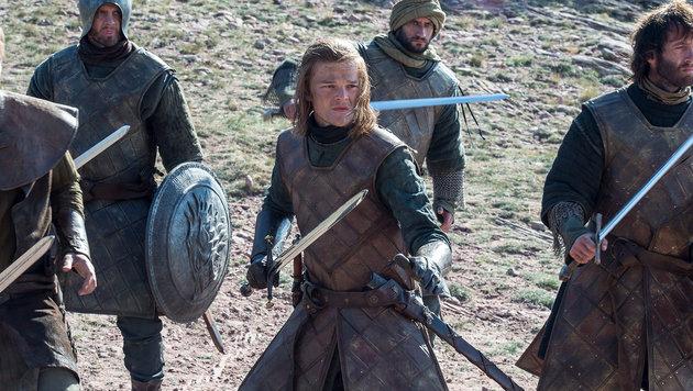 Der junge Ned Stark vor dem Turm der Freude (Bild: HBO)
