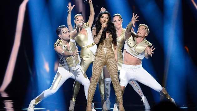 "Samra rockt für Aserbaidschan ""Miracle"". (Bild: APA/AFP/TT News Agency/MAJA SUSLIN/TT)"
