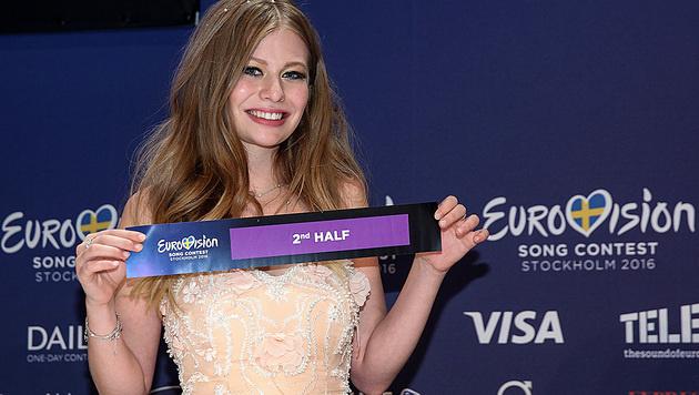 Zoe darf am Samstag im Finale singen. (Bild: APA/ORF/MILENKO BADZIC)