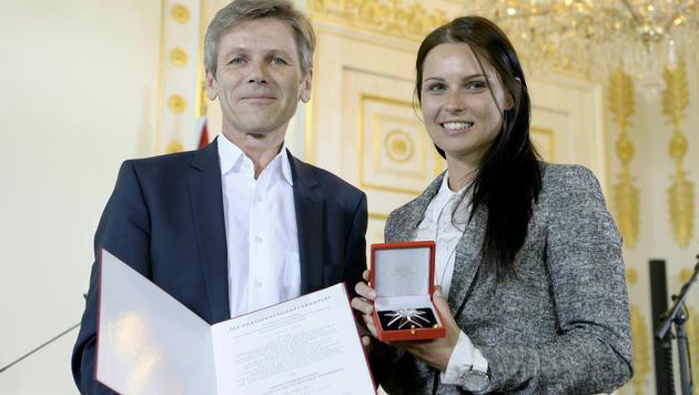 Anna Veith erhielt Gro�es Ehrenzeichen (Bild: APA/HANS KLAUS TECHT)