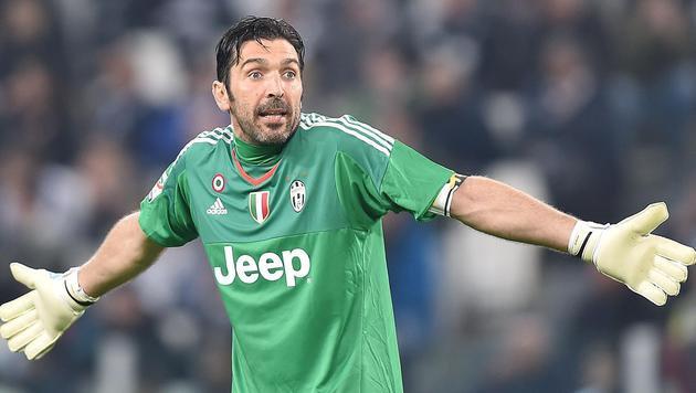 Buffon bleibt bis zu seinem 40er bei Juventus! (Bild: AP)