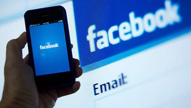 "Facebook sagt ""Fake News"" den Kampf an (Bild: AFP)"