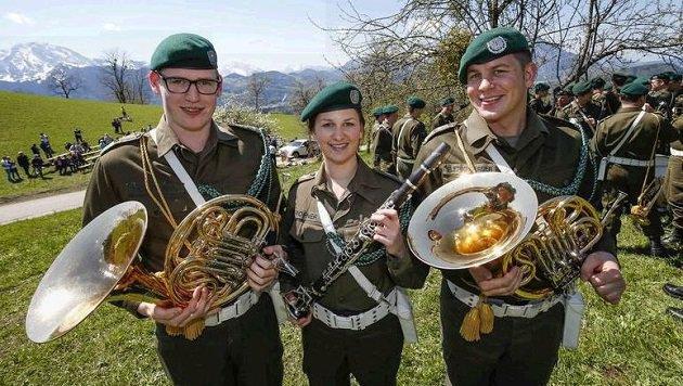 Militärmusik aus Wals bei Gedenkfeier in Adnet (Bild: Markus Tschepp)