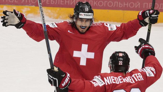 Schweiz mit Sieg weiter im Rennen um Viertelfinale (Bild: AP)