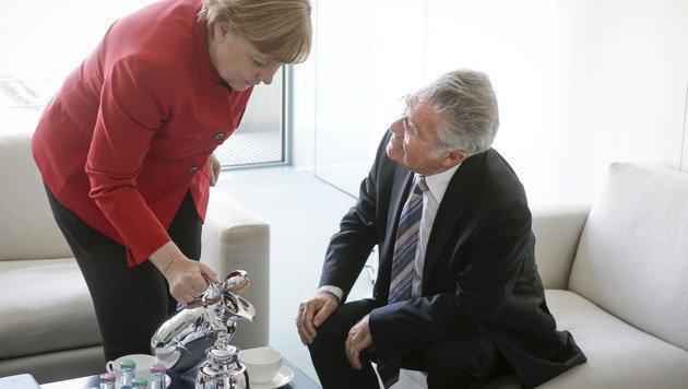 Fischer informierte Merkel über Faymann-Nachfolge (Bild: APA/BUNDESHEER/PETER LECHNER)