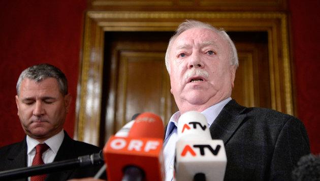 Bürgermeister Michael Häupl und SPÖ-Landesparteisekretär Georg Niedermühlbichler (Bild: APA/HANS KLAUS TECHT)