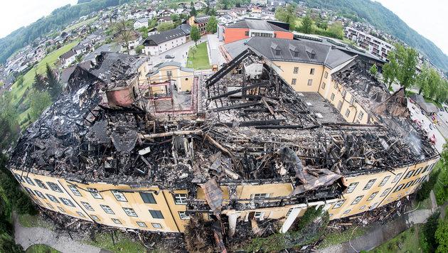 Das Internat wurde bei dem Feuer völlig zerstört. (Bild: fotokerschi.at)