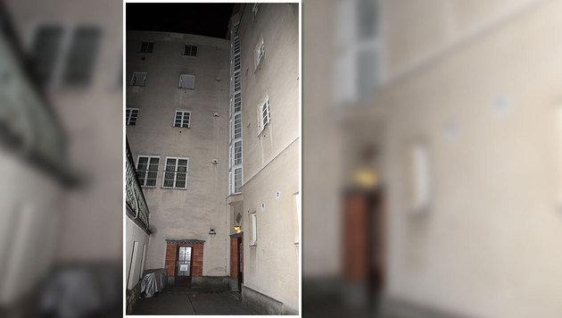 Aus dem dritten Stock dieses Hauses in Wien stürzte der zweijährige Bub. (Bild: Andi Schiel)