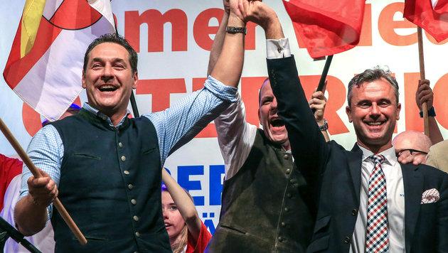 Heinz-Christian Strache mit Norbert Hofer (Bild: APA/fotokerschi.at)
