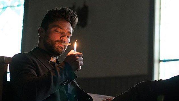 Dominic Cooper als Priester Jesse Custer (Bild: AMC)