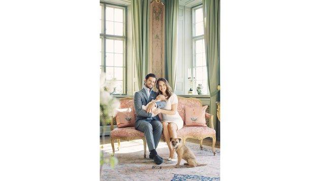 Sie strahlen überglücklich: Prinz Carl Philip und seine Sofia mit Baby Alexander. (Bild: Erika Gerdemark/Kungahuset.se)