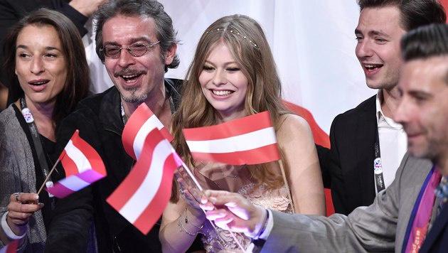 Zoe hoffte auf viele Anrufe für Österreich. (Bild: AP)