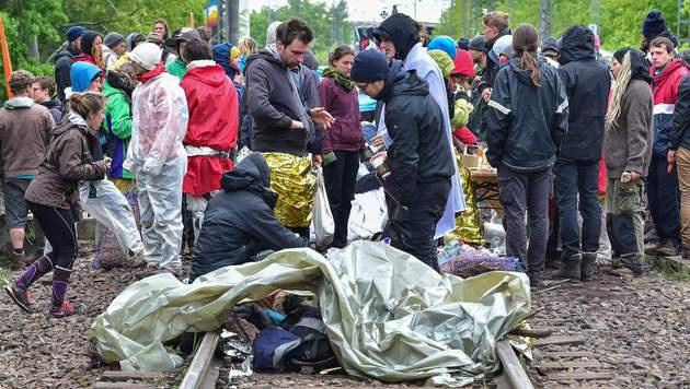Braunkohlegegner blockierten deutsches Kraftwerk (Bild: APA/AFP/dpa/PATRICK PLEUL)