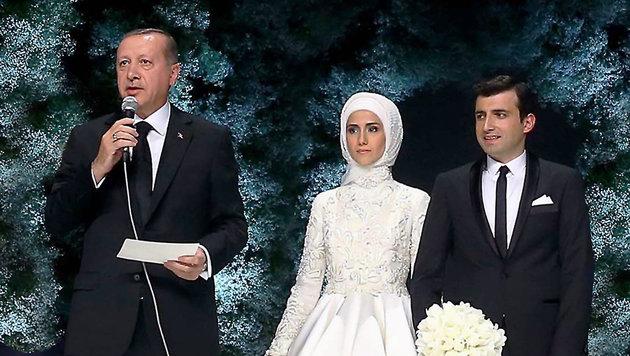 6000 G�ste bei Prunkhochzeit von Erdogans Tochter (Bild: AP/Press Presidency Press Service)