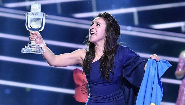 Die Ukrainerin Jamala ist die strahlende Siegerin. (Bild: AP)
