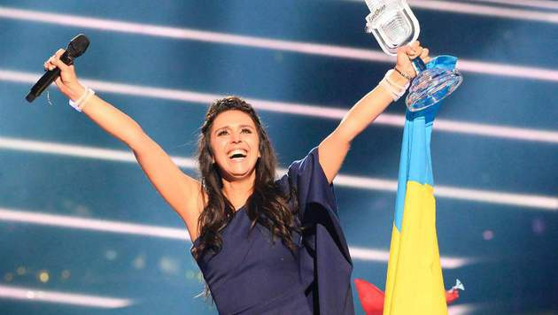 Freudentaumel bei der Ukrainerin Jamala (Bild: AFP)