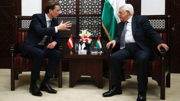 Kurz bei Palästinenser-Präsident Mahmud Abbas (Bild: APA/AFP/ABBAS MOMANI)