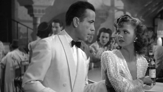"""Madeleine LeBeau und Humphrey Bogart in """"Casablanca"""" (Bild: Warner Bros.)"""
