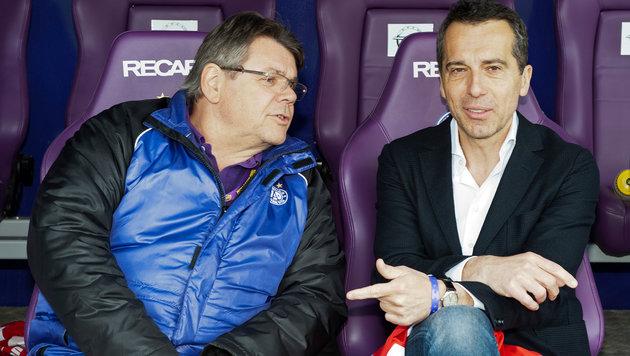 Neo-Kanzler Christian Kern entspannt bei Violett (Bild: markusreitler.com)