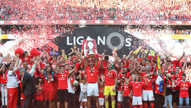 Grenzenloser Jubel war auch bei Benfica Lissabeon angesagt. (Bild: AP)