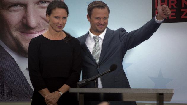 Joachim (Philipp Hochmair) und Waltraud beschließen zu heiraten. (Bild: ORF)