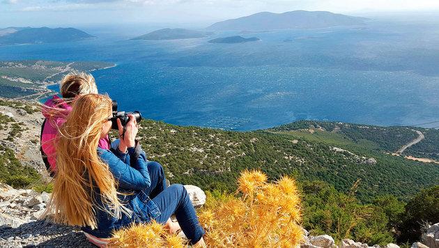 An vielen Ecken der gebirgigen Insel bieten sich tolle Ausblicke. (Bild: Jörg Redl/Raiffeisen Reisen)